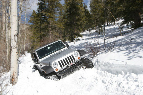 jeep in snow